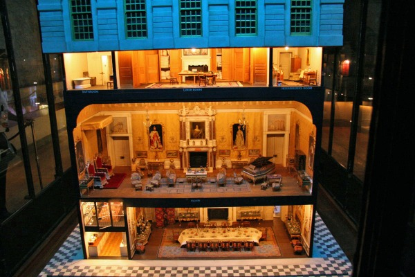 Queen_Mary's_doll_house_at_Windsor_Castle