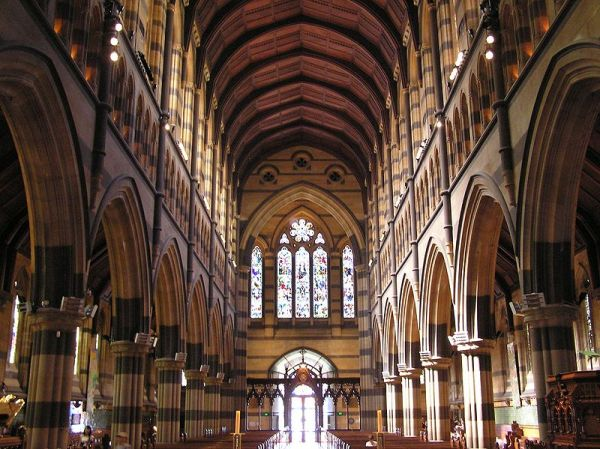 800px-St._Paul's_Cathedral_Interior_(Arcade)
